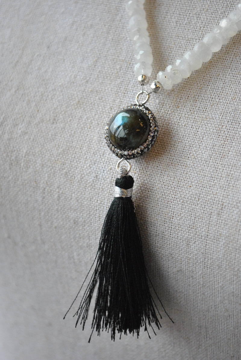 MOONSTONE AND LABRADORITE LONG DELICATE NECKLACE
