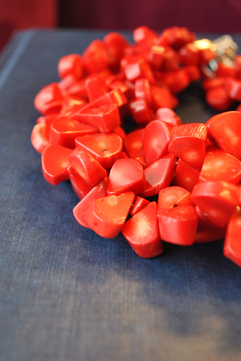 RED CORAL FREEFORMS MULTISTRANDS STATEMENT NECLACE