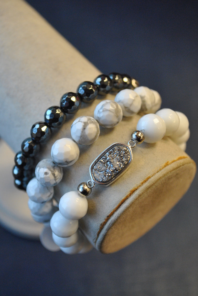 WHITE AGATE MAGNESITE BLACK HEMATITE AND DRUZY STRETCHY BRACELETS SET