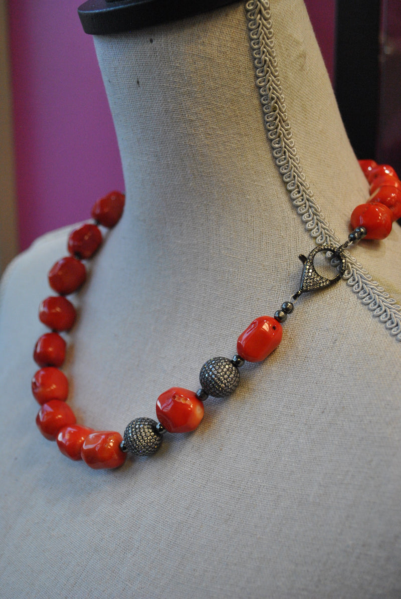 RED CORAL AND RHINESTONES ASYMMETRIC NECKLACE