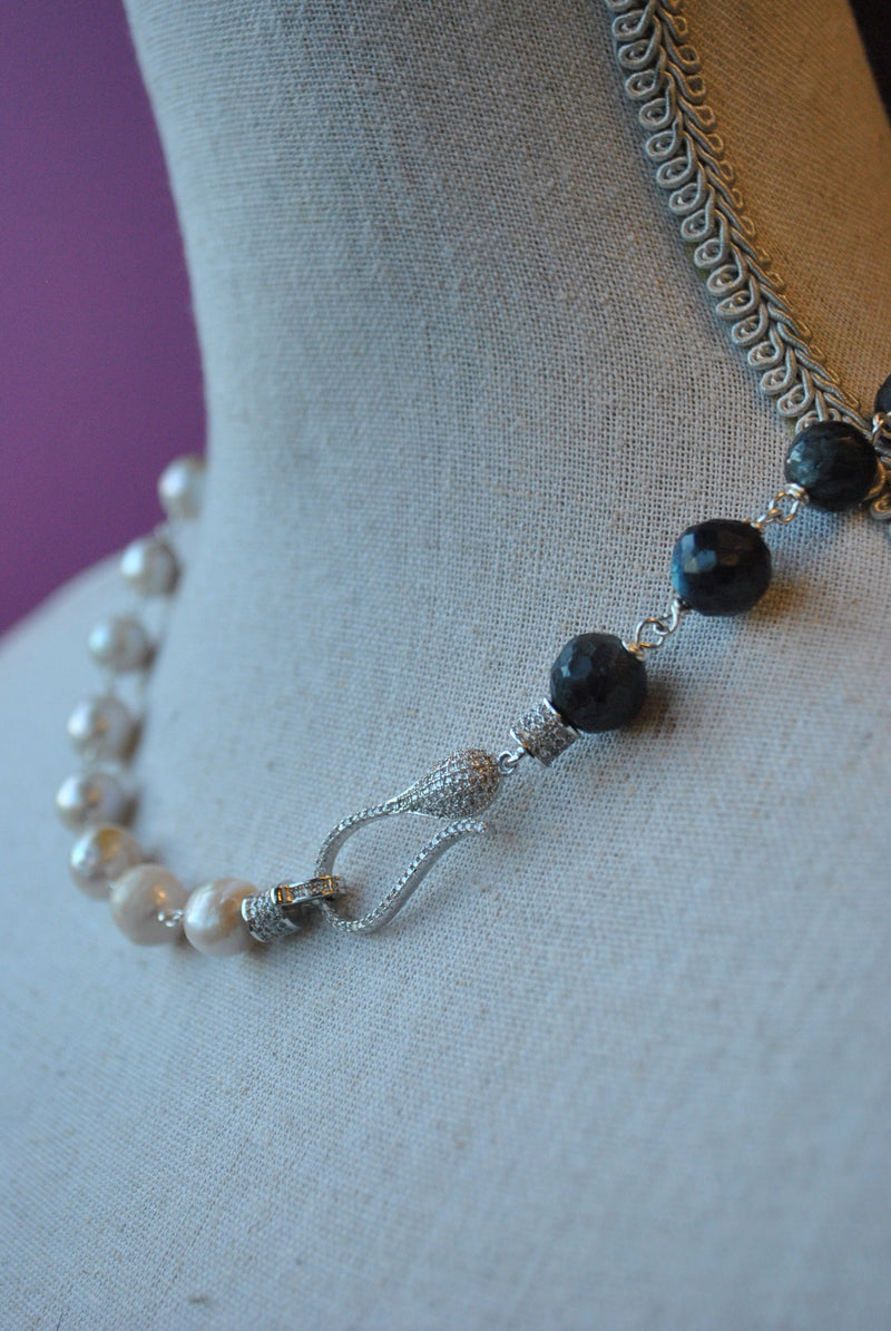 LABRADORITE AND WHITE FRESHWATER PEARLS ASYMMETRIC SIMPLE NECKLACE