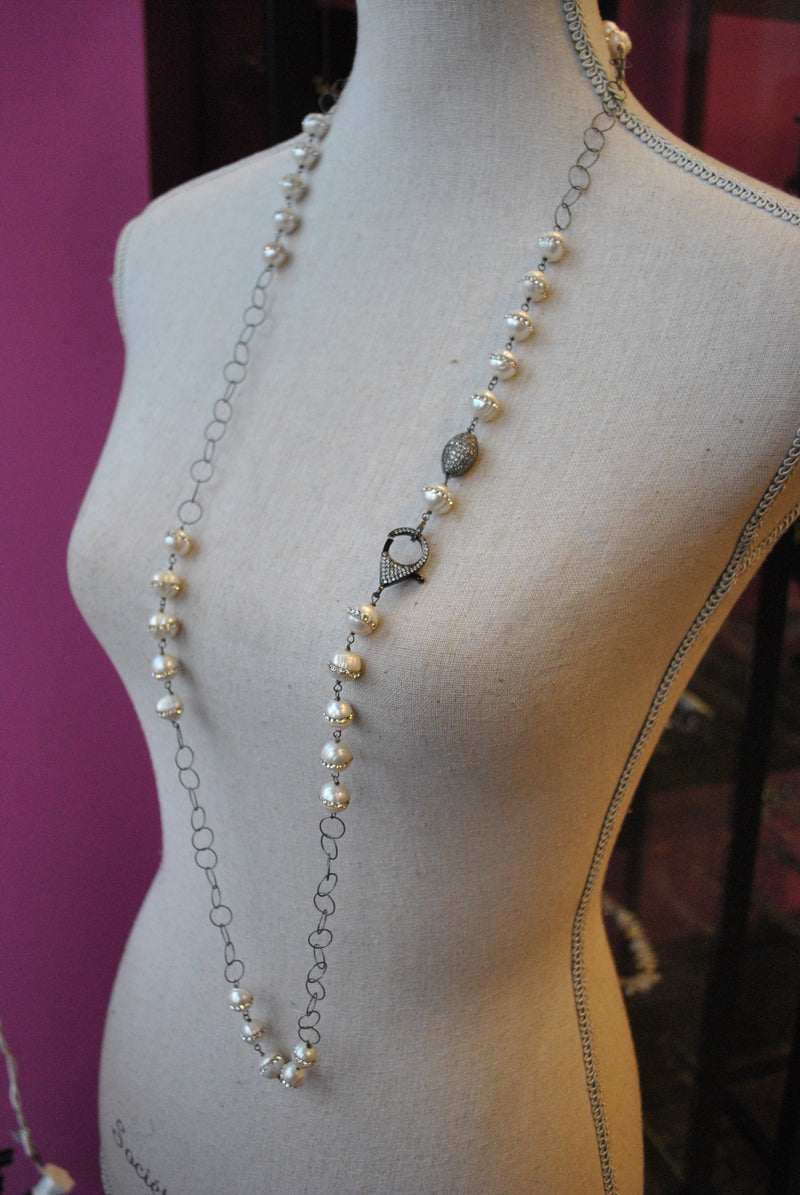 WHITE FRESHWATER PEARLS WITH SWAROVSKI CRYSTALS AND GUNMETAL CHAIN LONG NECKLACE