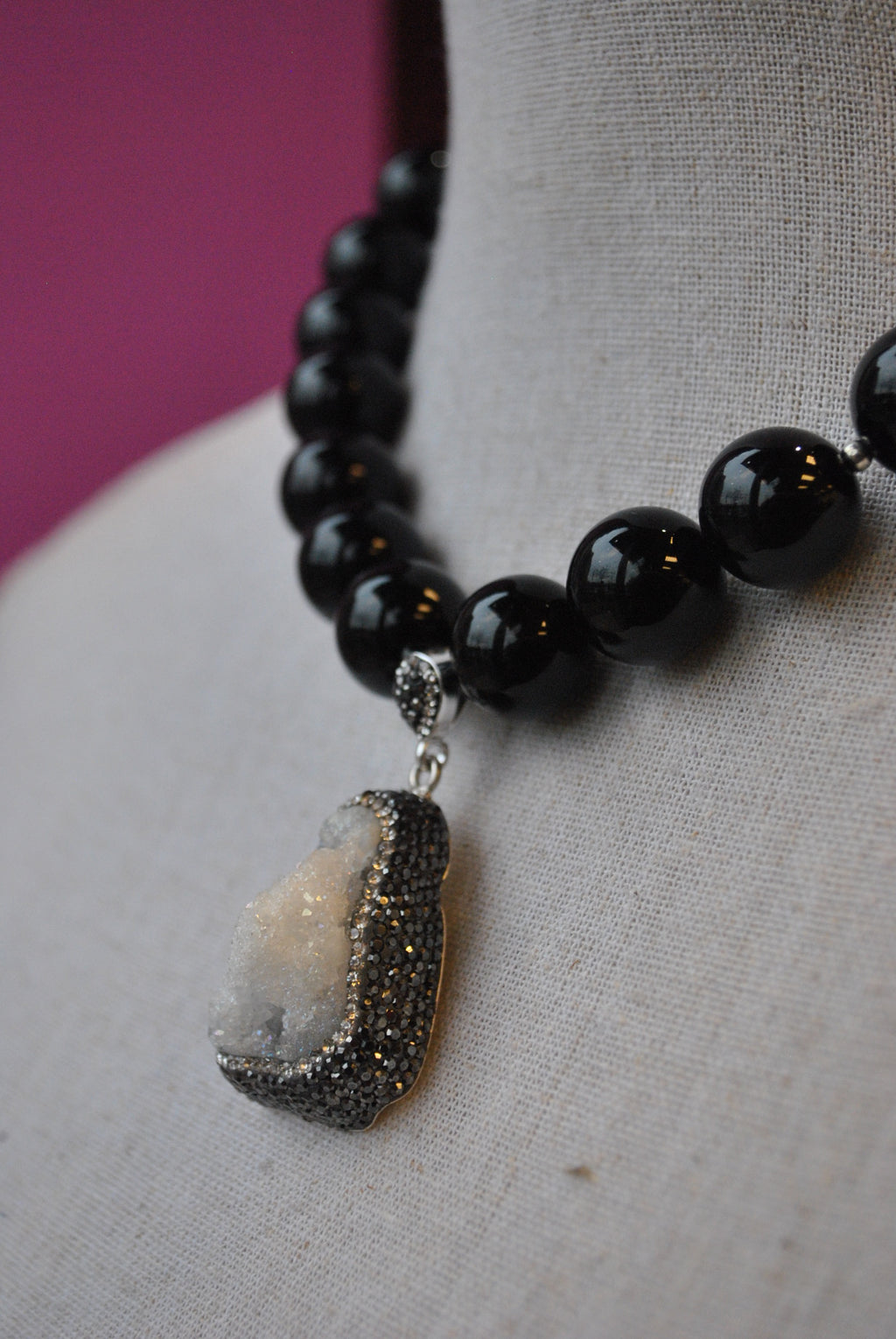 BLACK ONYX ROUND STONES AND DRUZY WITH SWAROVSKI CRYSTALS NECKLACE