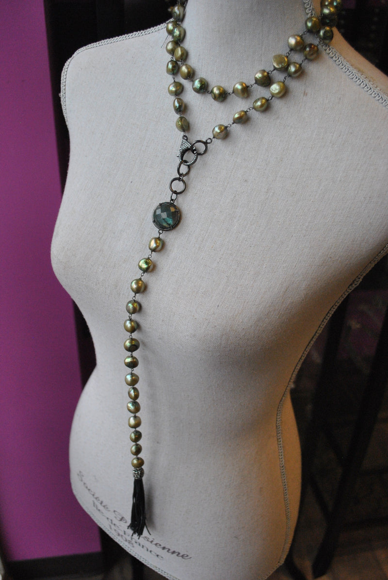 OLIVE GREEN LONG FRESHWATER  NECKLACE WITH DETACHABLE PENDANT