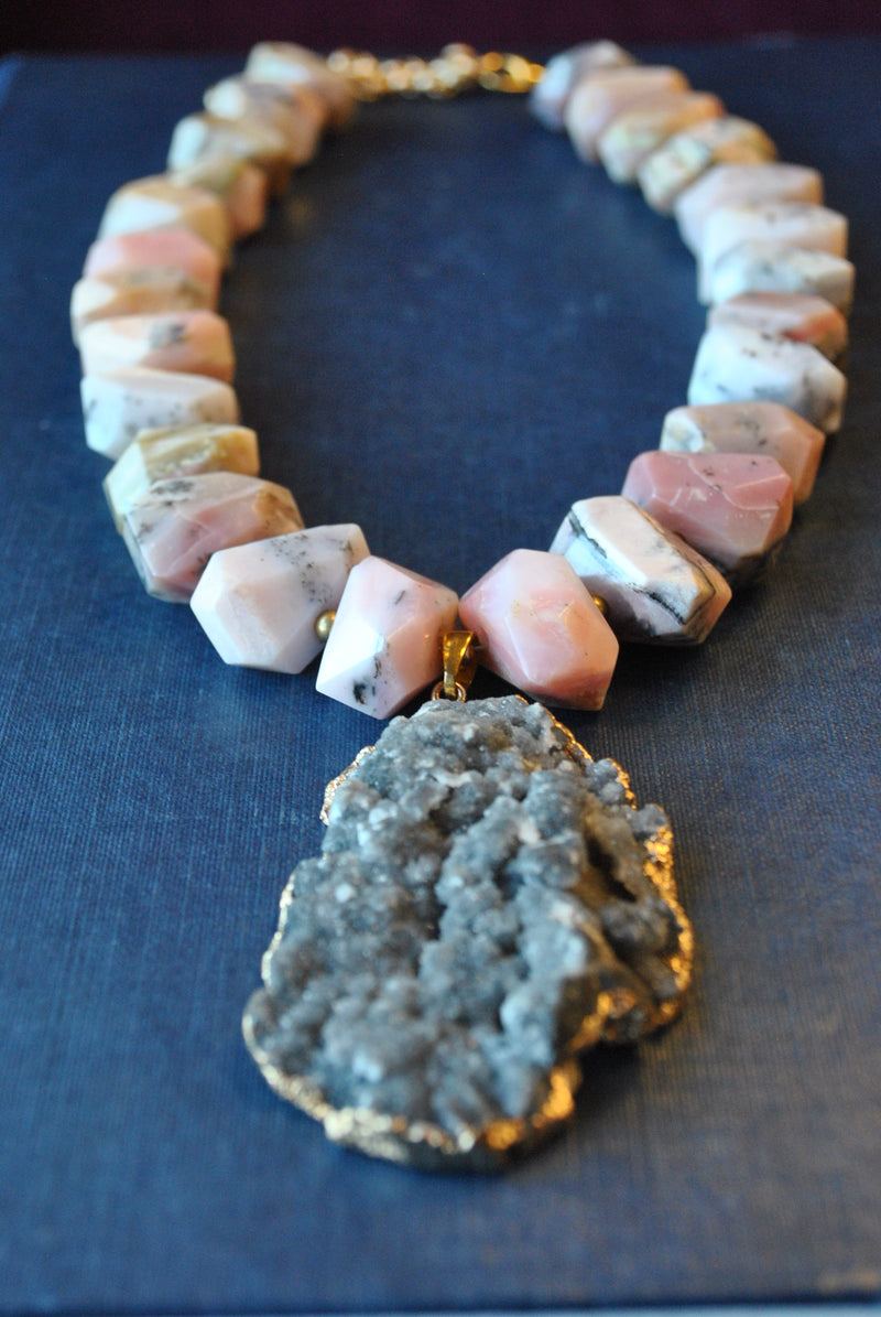 PINK PERUVIAN FREEFORM AND SILVER DRUZY PENDANT STATEMENT NECKLACE