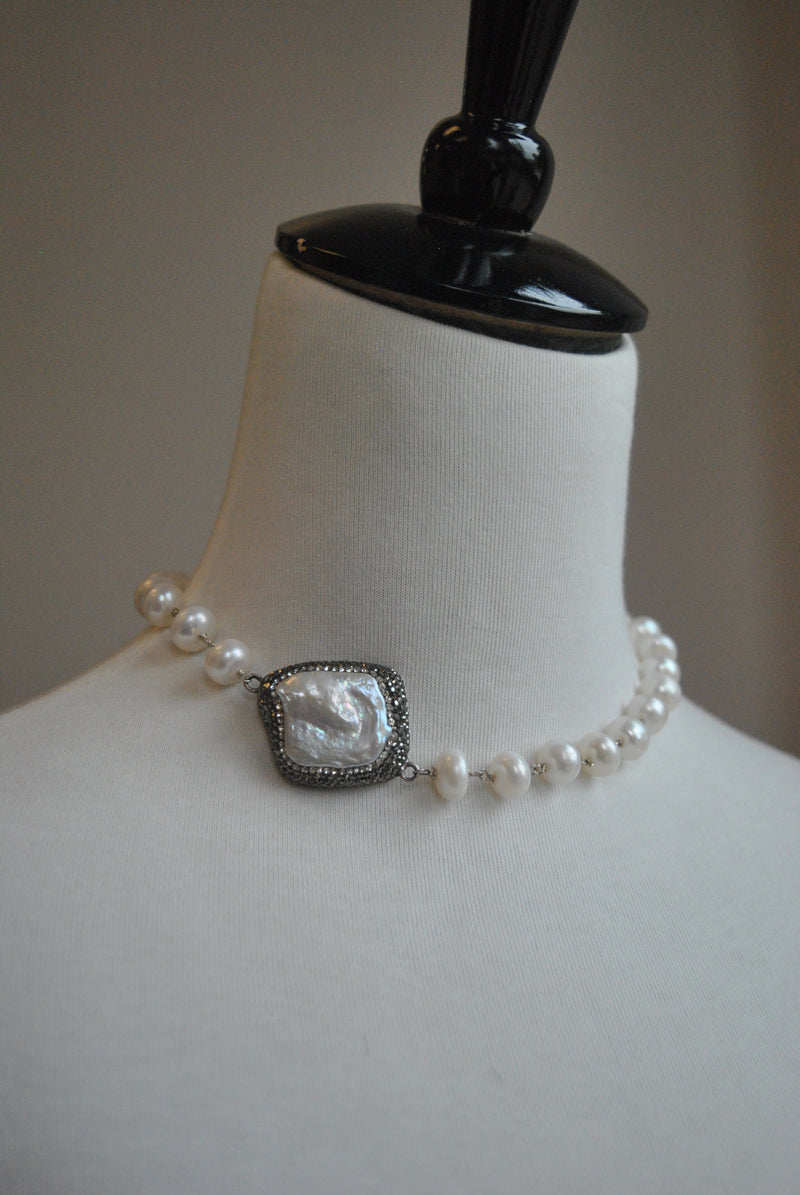 WHITE FRESHWATER PEARLS AND SWAROVSKI CRYSTALS WRAP BRACELET OR A CHOKER