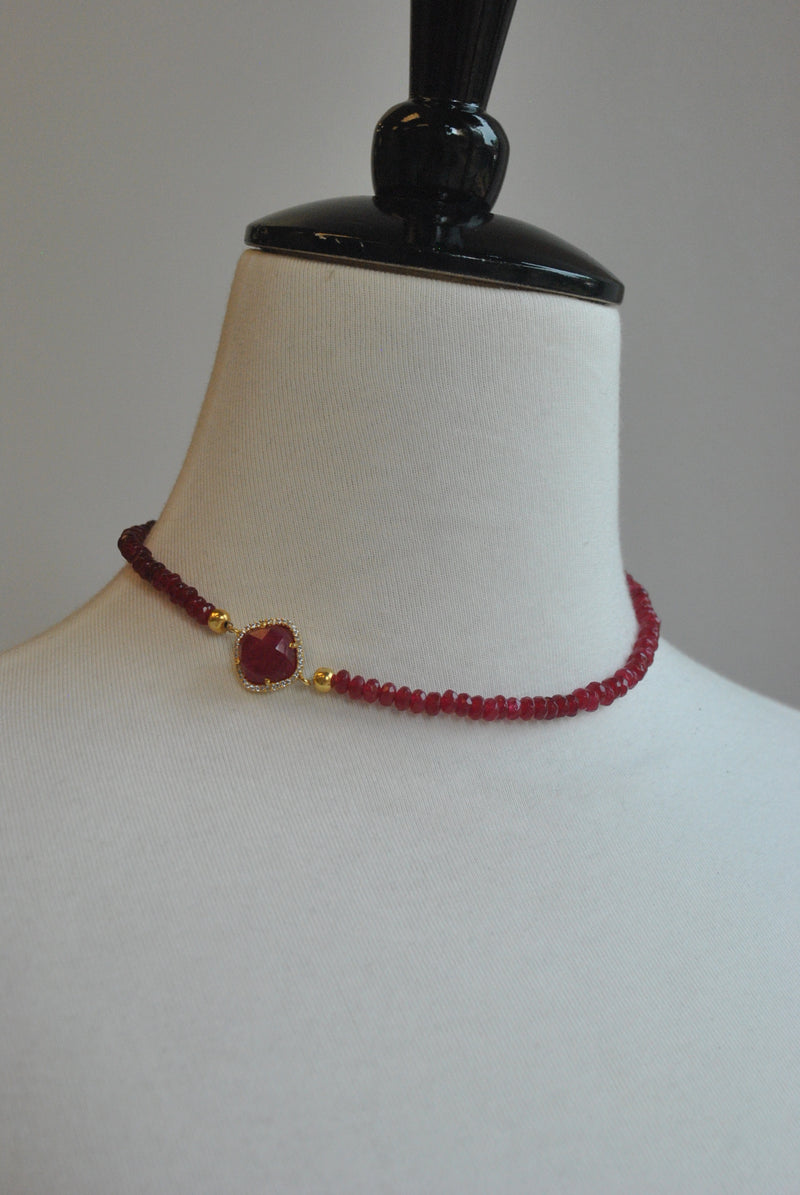 RUBY AND RHINESTONES ON GOLD DOUBLE BRACELET OR A CHOKER