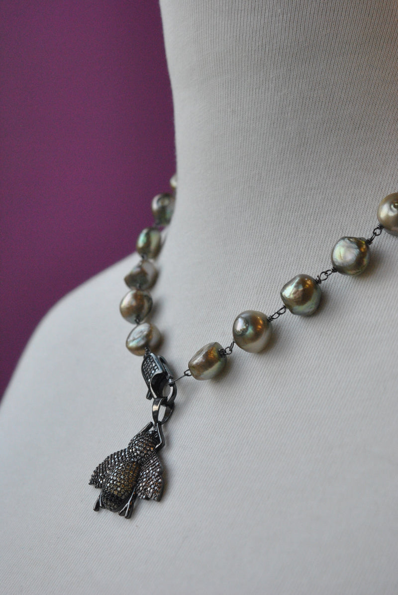 OLIVE GREEN FRESHWATER PEARLS NECKLACE WITH A BEE PENDANT