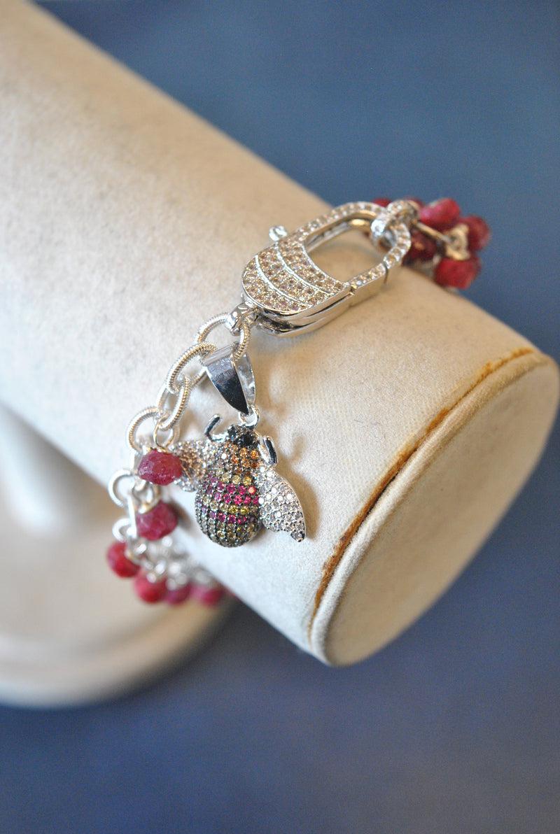 RUBY JADE AND RHINESTONES BEE CHARM BRACELET