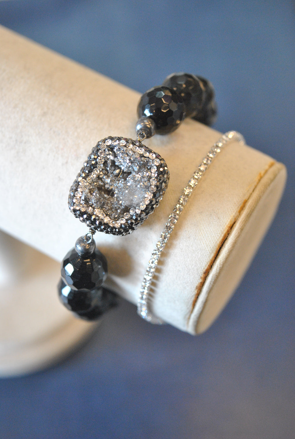 BLACK ONYX SILVER DRUZY AND SWAROVSKI CRYSTALS STRETCHY BRACELET SET