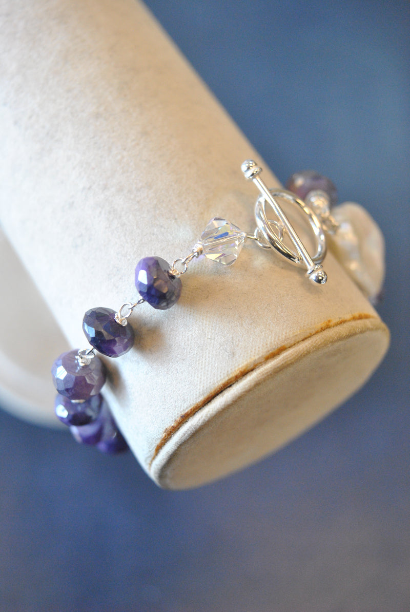 PURPLE MOONSTONE AND WHITE FRESHWATER PEARL BRACELET