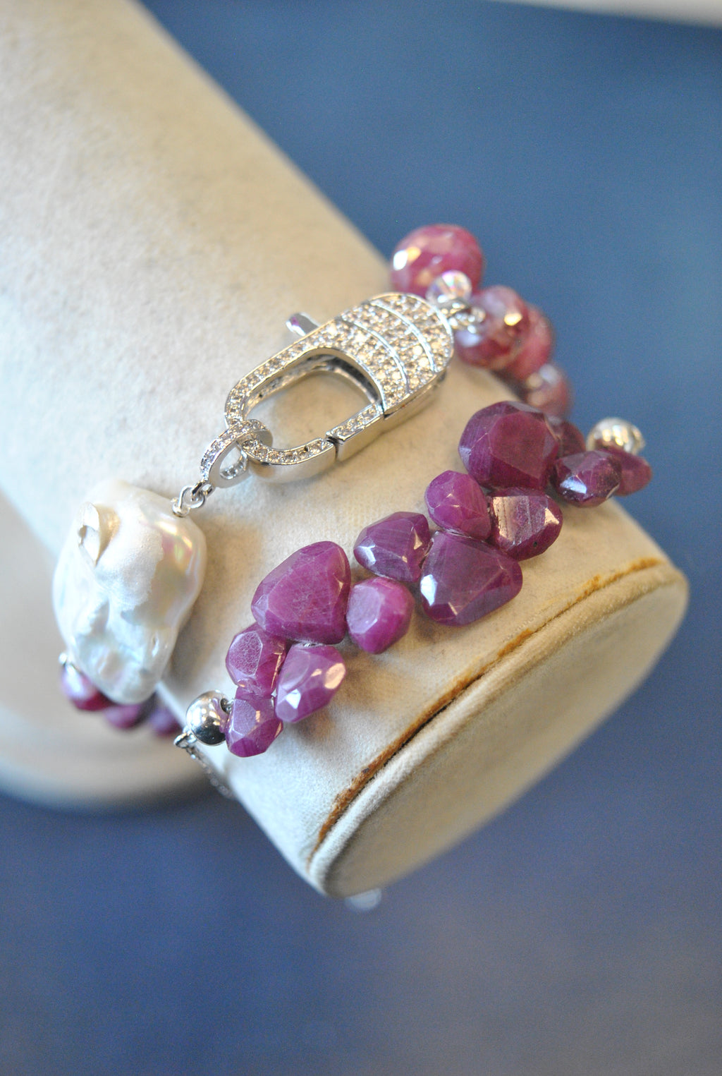 RUBY, RASPBERRY MOONSTONE AND WHITE MOTHER OF PEARLS BRACELET SET