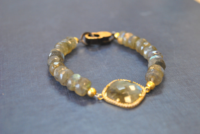 LABRADORITE AND RHINESTONES GOLD FINISH BRACELET
