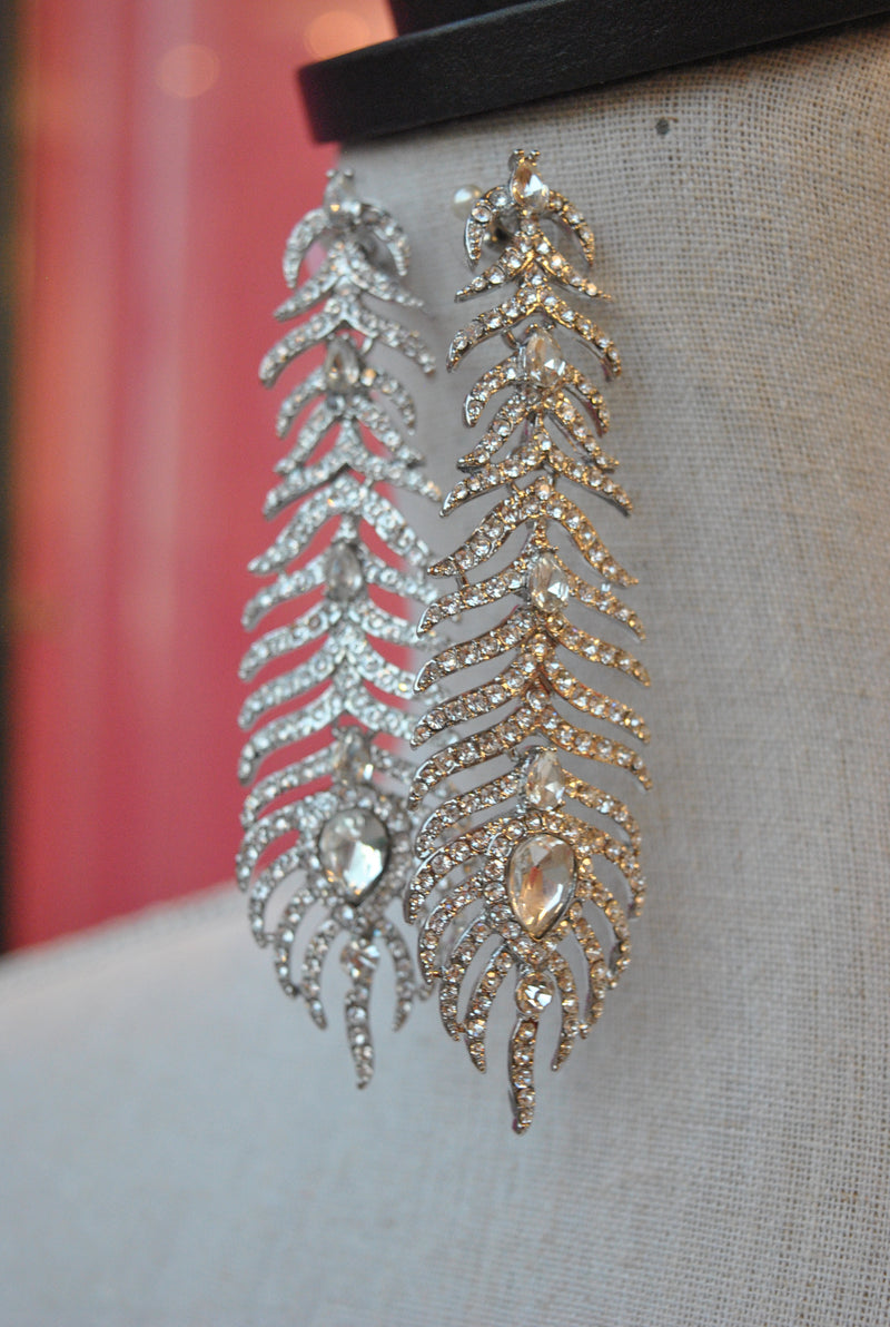 FASHION COLLECTION - CLEAR CRYSTALS STATEMENT EARRINGS