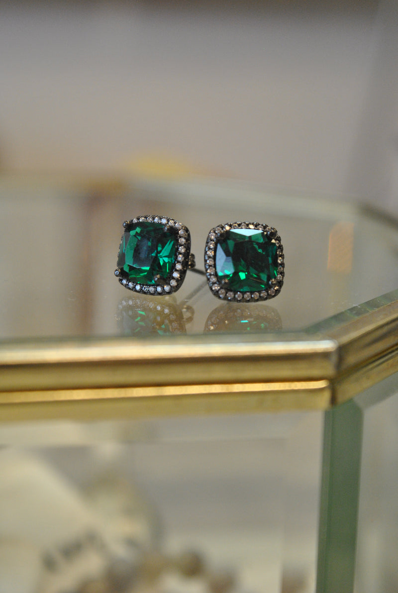 STUDS COLLECTION - EMERALD GREEN CRYSTALS AND RHINESTONES STUDS