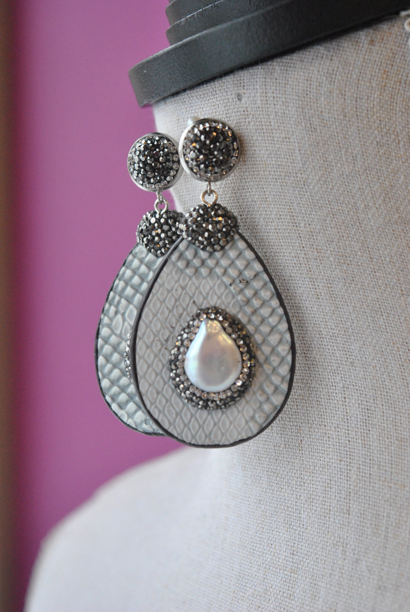 MOTHER OF PEARLS AND SWAROVSKI CRYSTALS ON GREY LEATHER STATEMENT EARRINGS