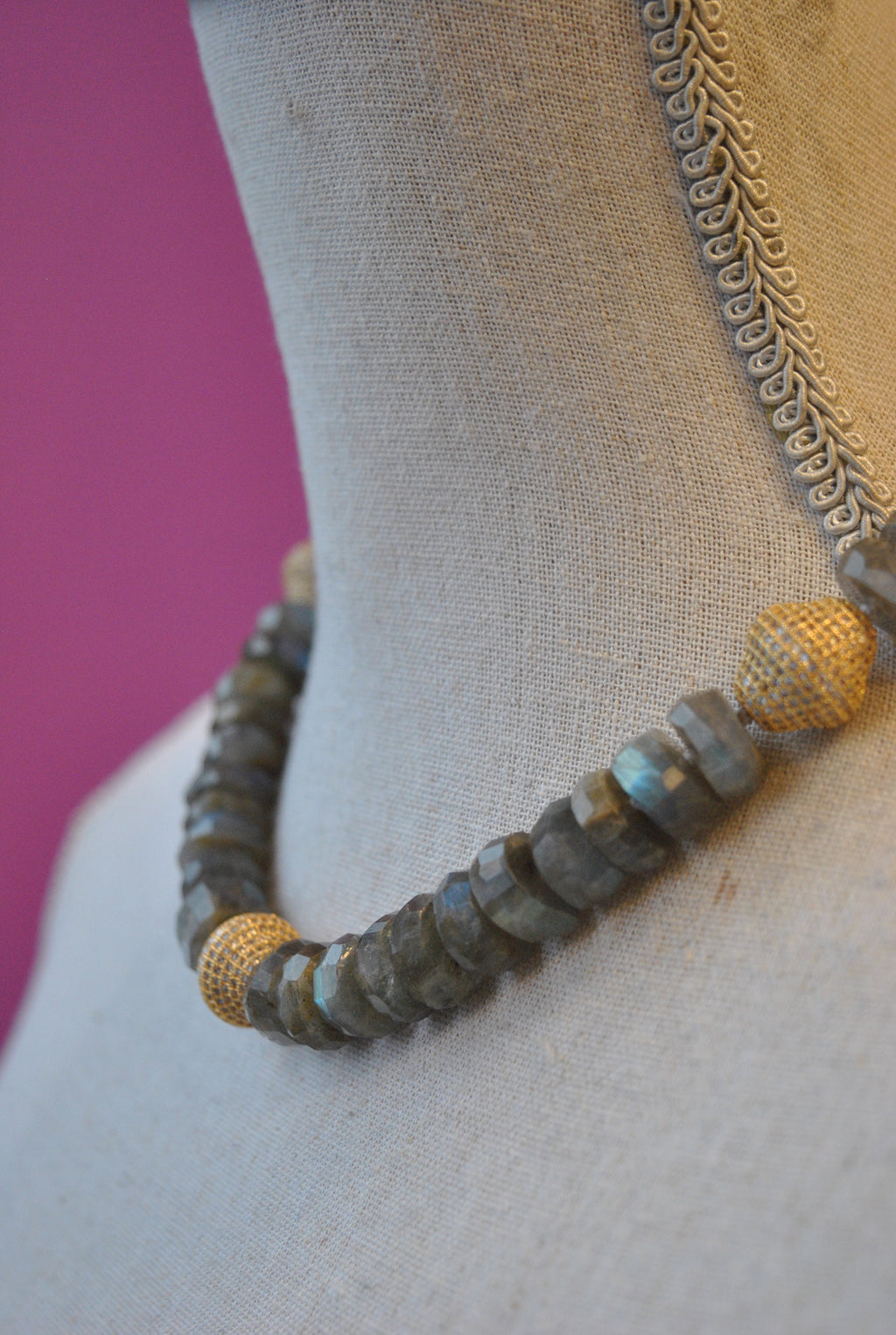 LABRADORITE AND GOLD RHINESTONES NECKLACE