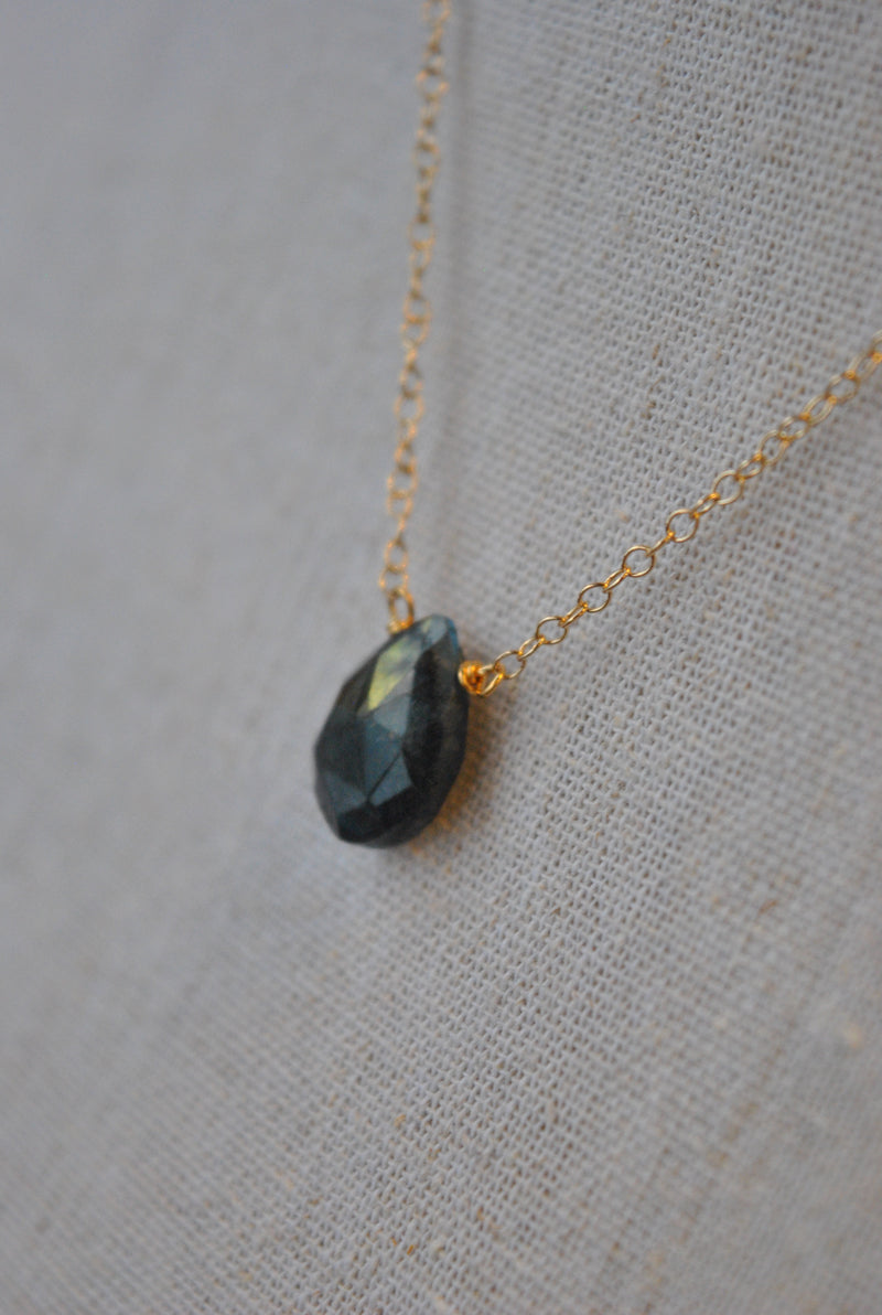 DARK BLUE LABRADORITE TEARDROP DELICATE NECKLACE ON GOLD