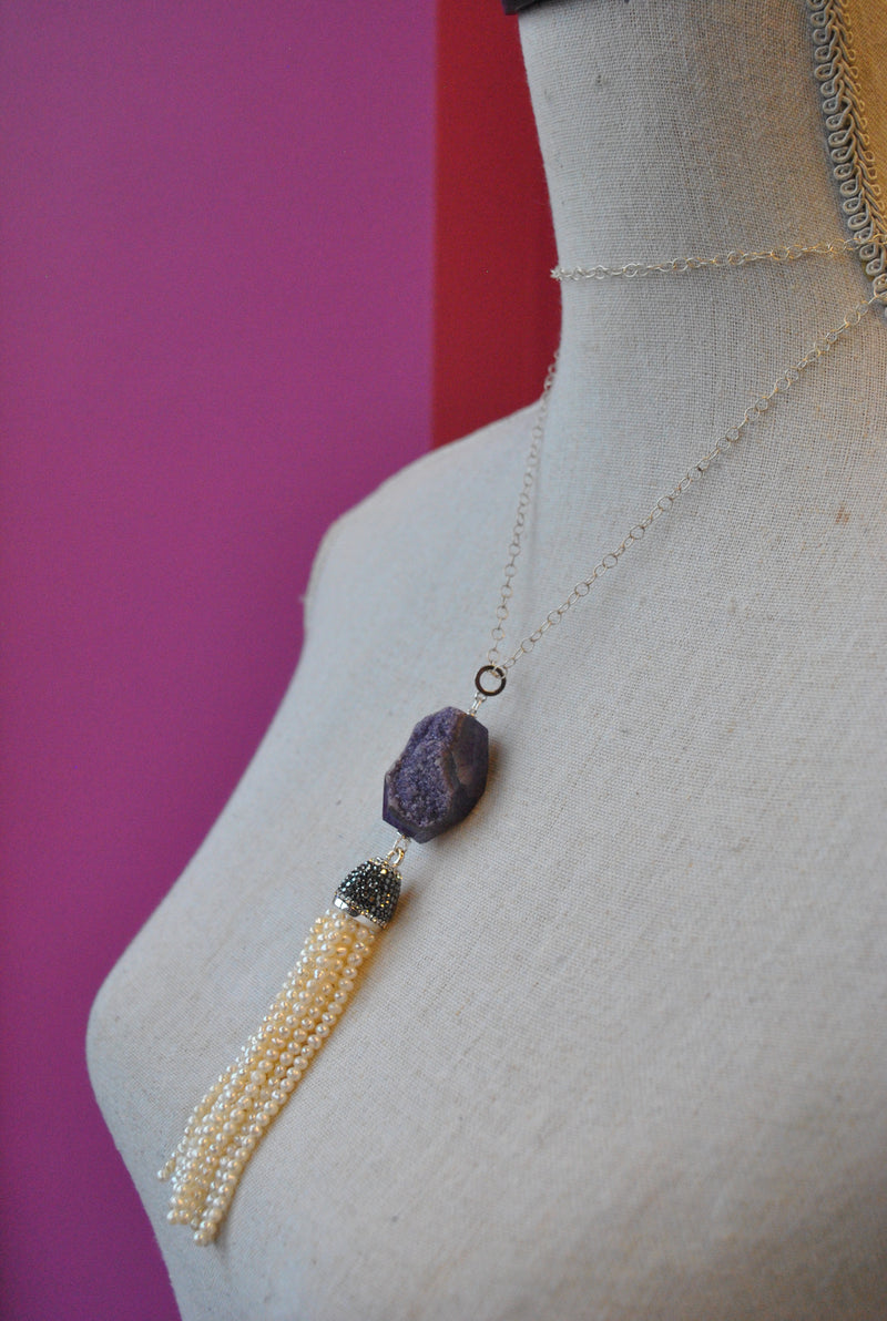 PURPLE AGATE AND FRESHWATER PEARLS PENDANT