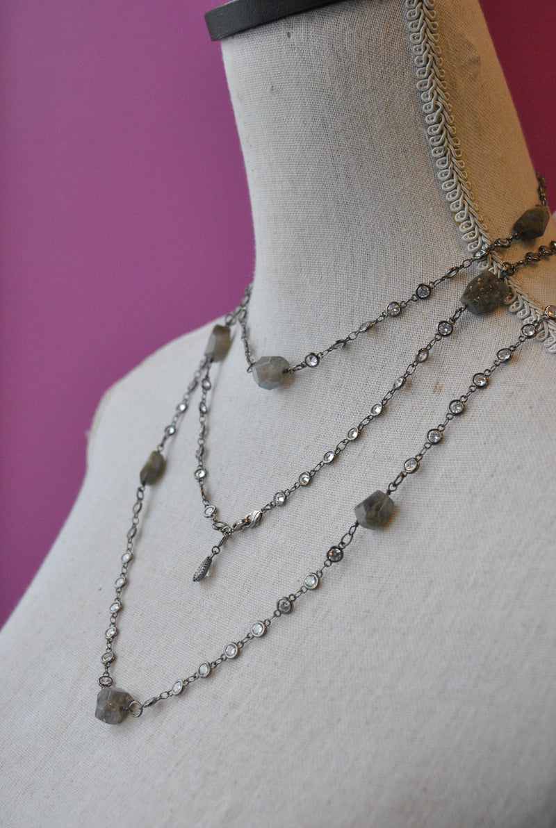 LABRADORITE AND CRYSTALS CHAIN LONG NECKLACE