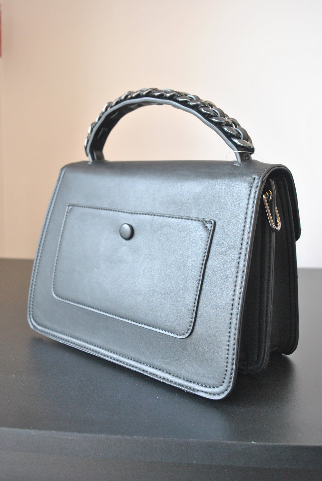 BLACK FAUX LEATHER SATCHEL / CROSSBODY BACK WITH CHAIN DETAILS