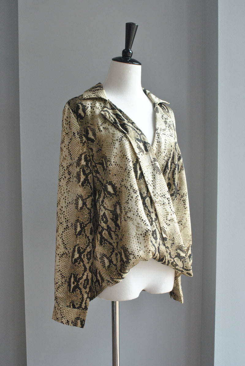SILKY SNAKE PRINT LONG SLEEVE TOP