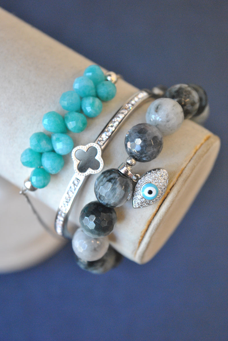 GREY EAGLE EYE GREEN JADE AND CRYSTAL BANGLE BRACELETS SET