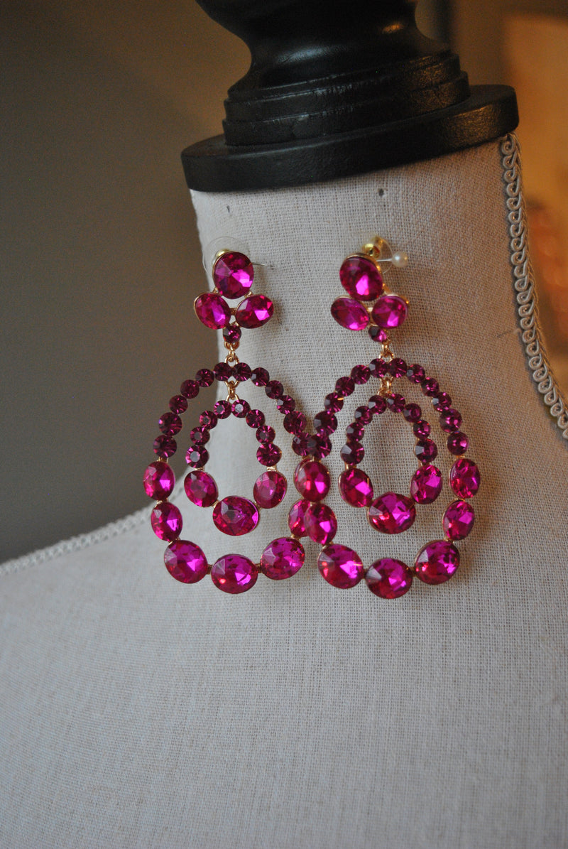 FASHION COLLECTION - MAGENTA CRYSTALS STATEMENT EARRINGS