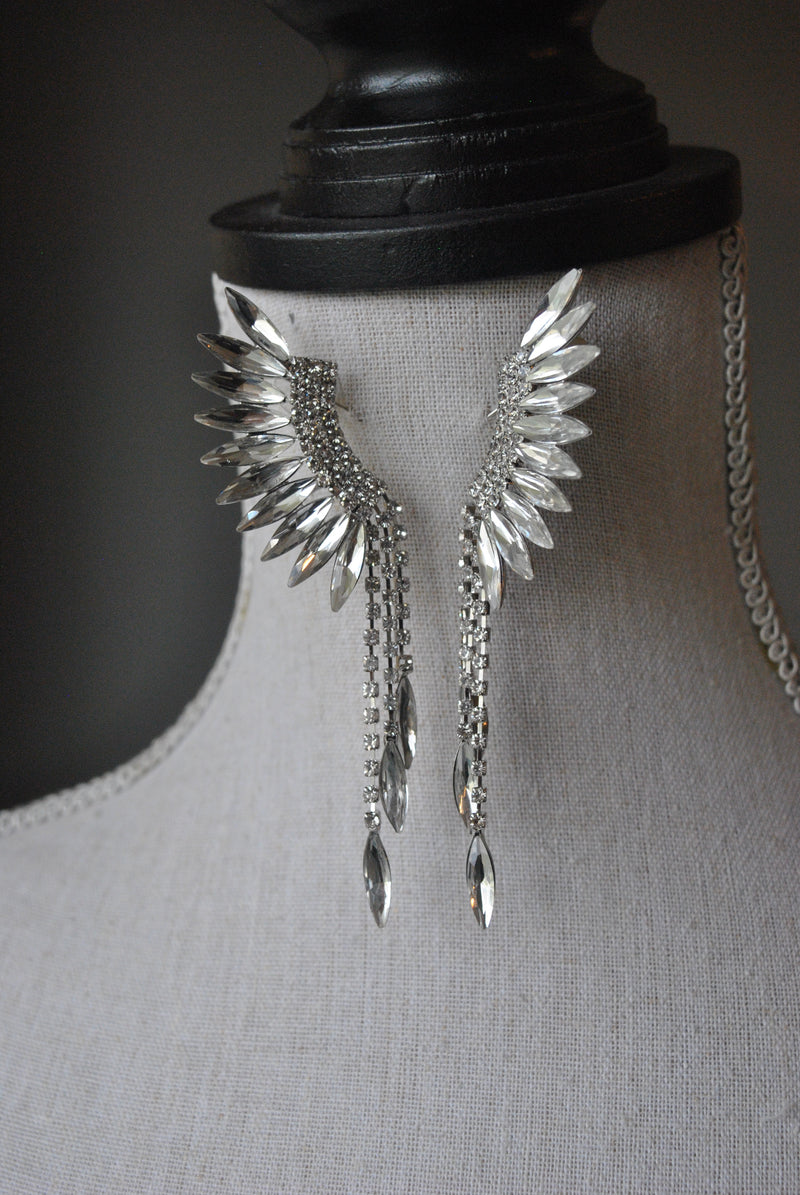 FASHION COLLECTION - WHITE CRYSTALS WINGS EARRINGS
