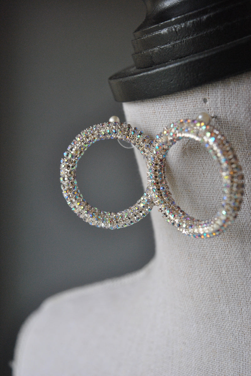 FASHION COLLECTION - CRYSTAL CLEAR SMALL HOOP STUDS