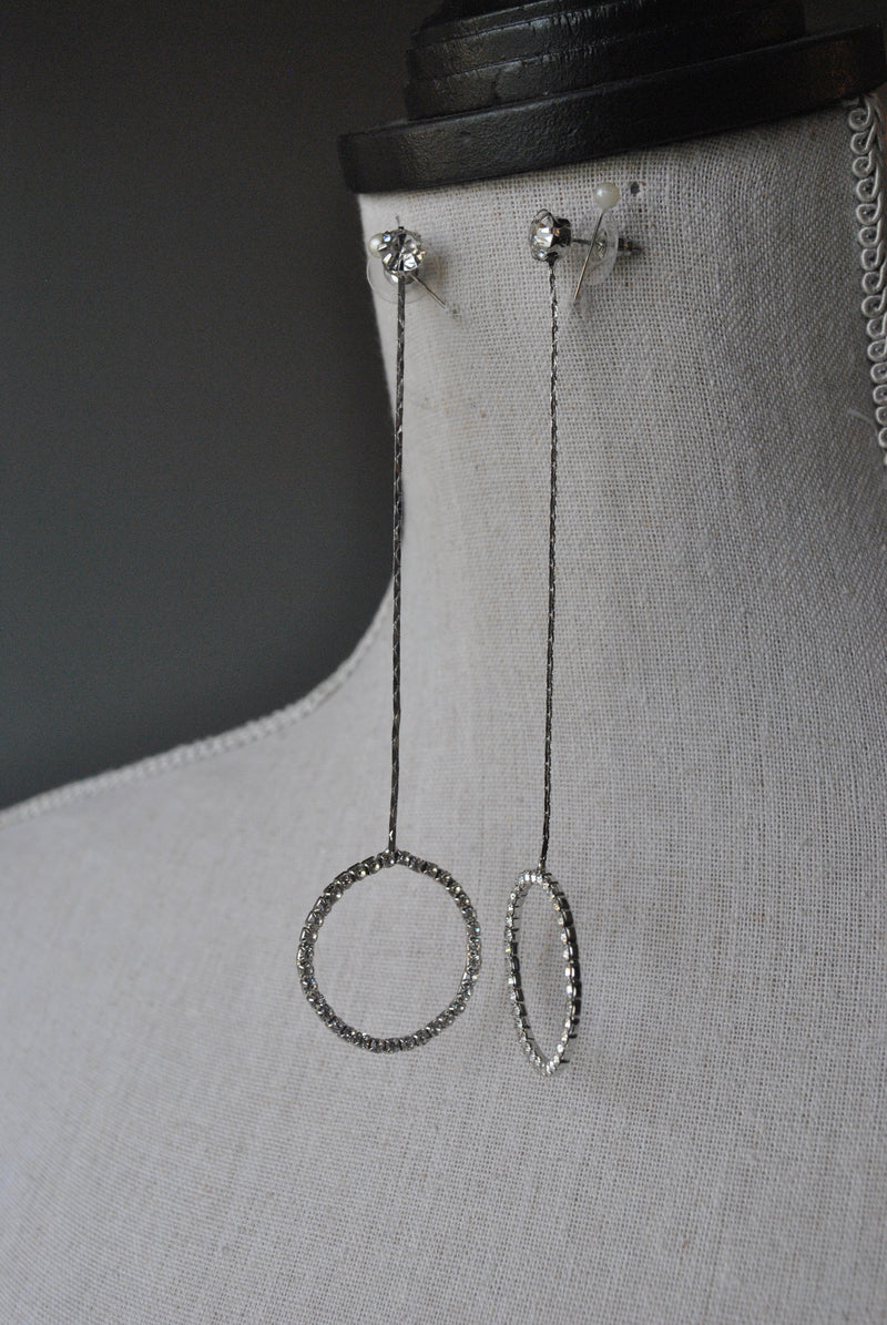 FASHION COLLECTION - CRYSTAL LONG DROP DELICATE EARRINGS