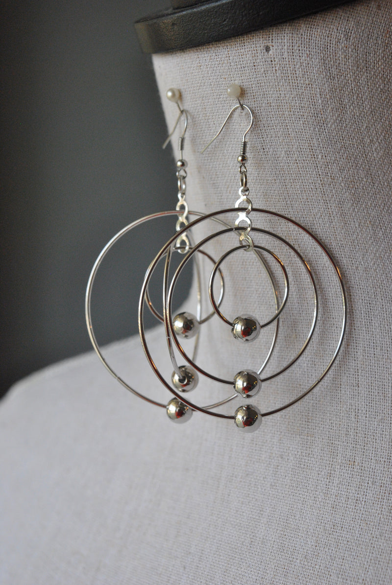 FASHION COLLECTION - SILVER COLOR HOOPS EARRINGS
