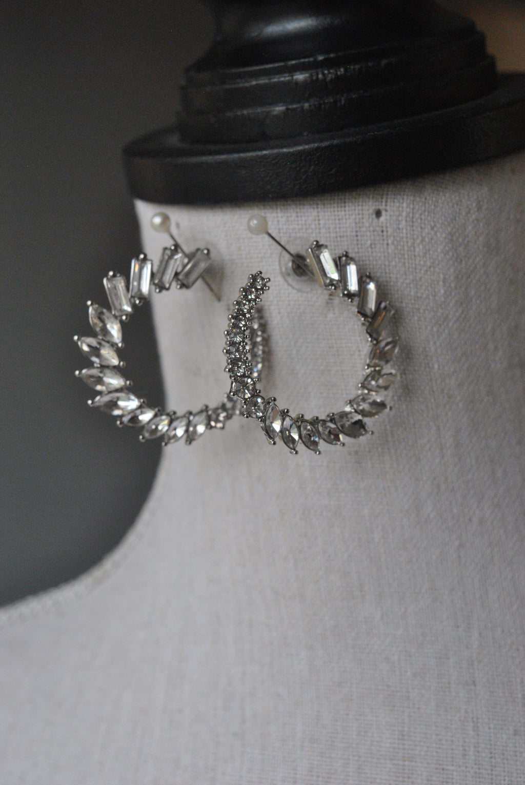FASHION COLLECTION - CLEAR CRYSTALS EARRINGS