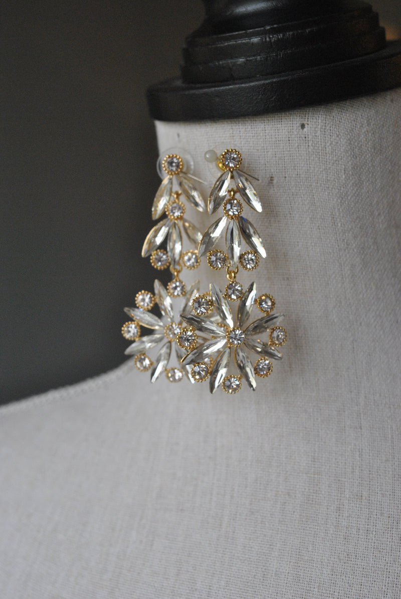 FASHION COLLECTION - GOLD CRYSTALS SNOW FLAKES EARRINGS