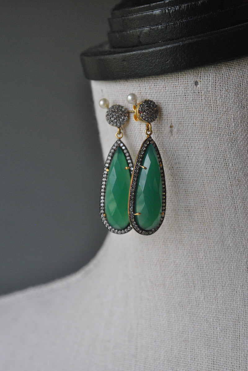 GREEN ONYX TEARDROP EARRRINGS
