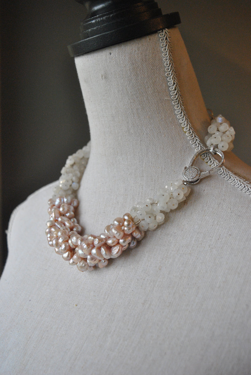 WHITE MOONSTONES AND BLUSH PINK PEARLS NECKLACE