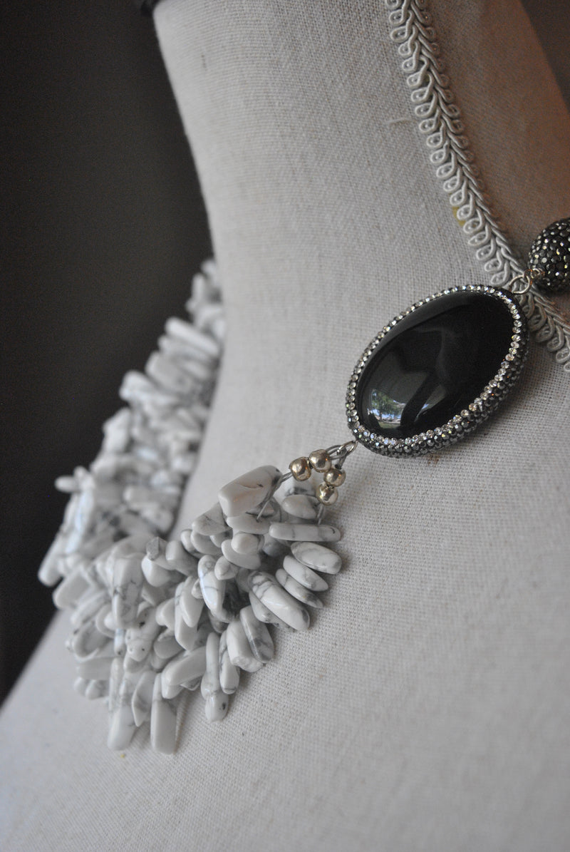 WHITE MAGNESITE AND BLACK ONYX STATEMENT ASYMMETRIC NECKLACE