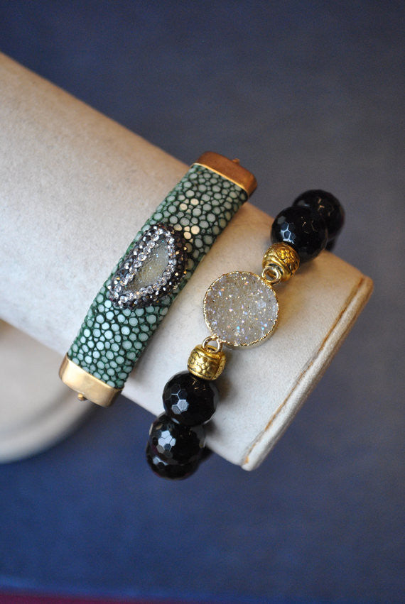 GREEN LEATHER, DRUZY AND BLACK ONYX BRACELET SET