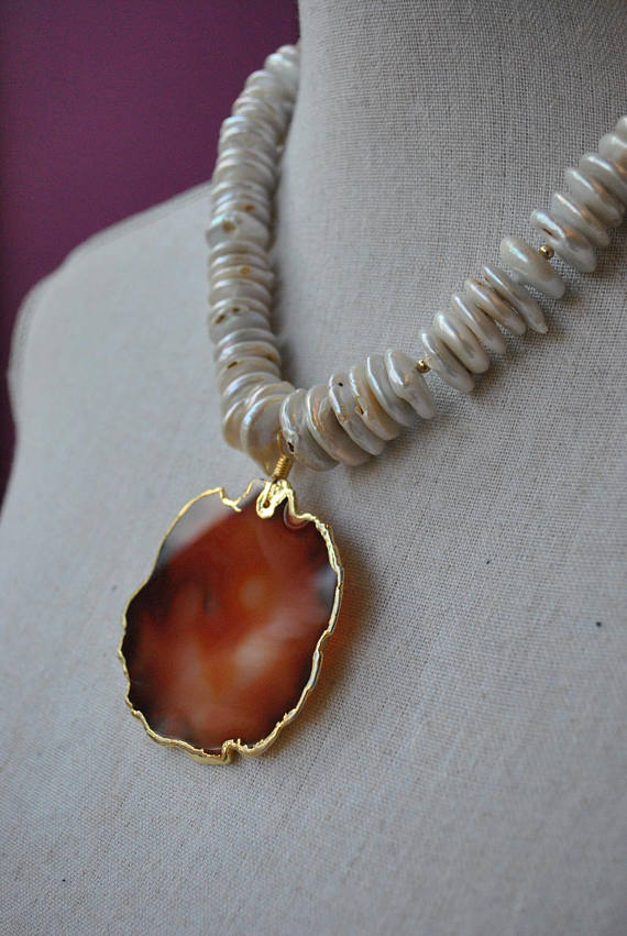 WHITE FRESHWATER PEARLS AND CARAMEL AGATE PENDANT STATEMENT NECKLACE