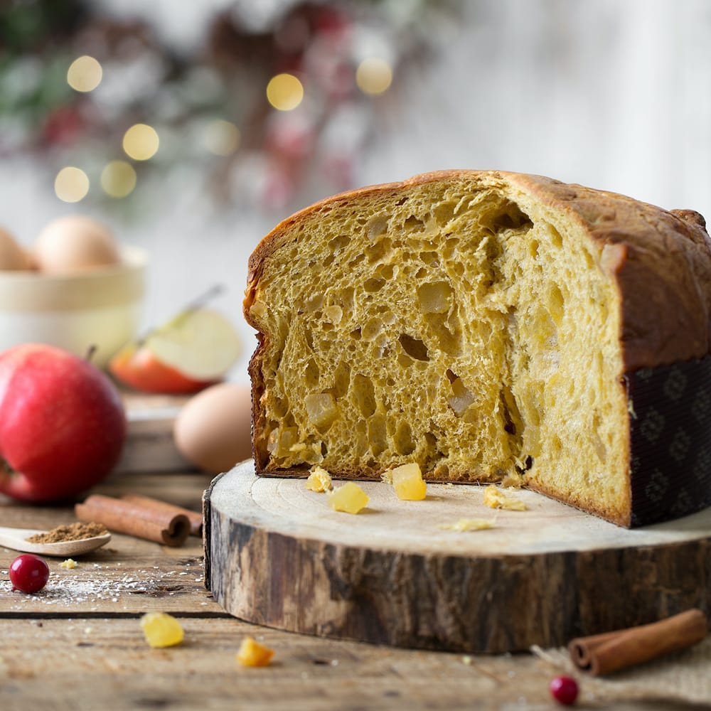 Panettone with Apples and Cinnamon