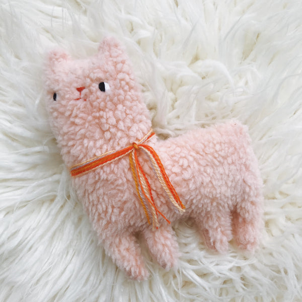 Cupcake the alpaca - Ready to Ship - sleepy king