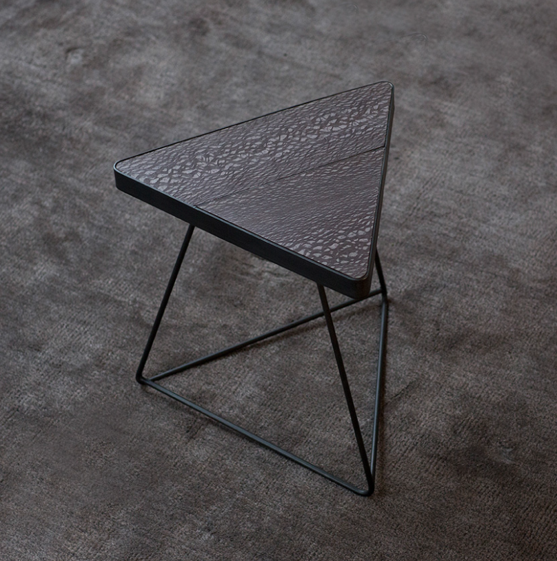 MARMORA TRIANGLE TABLE