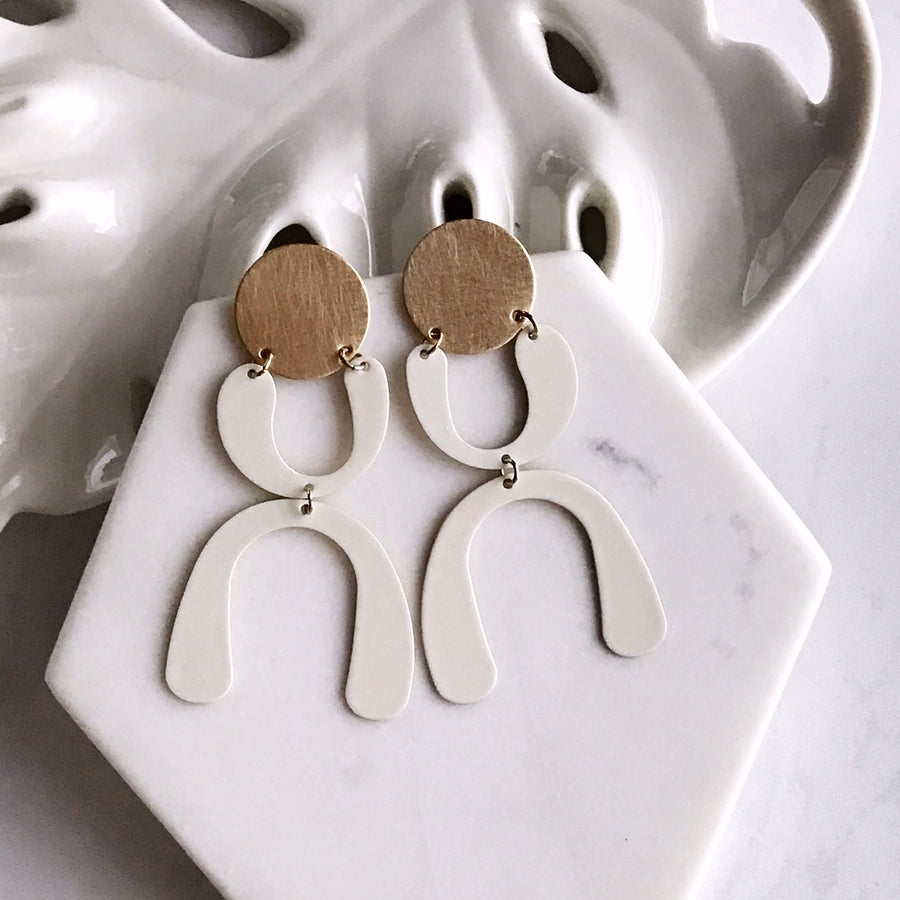 happy dance earrings - ivory