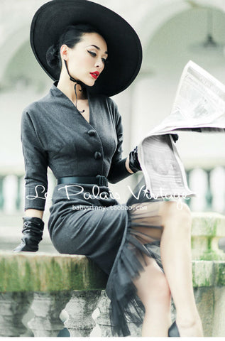 Le Palais Vintage Elegant Gray Retro Fishtail Suit