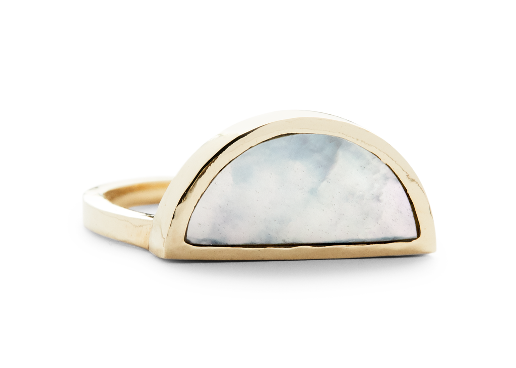 one half ring / yellow gold + mother of pearl - casual seance