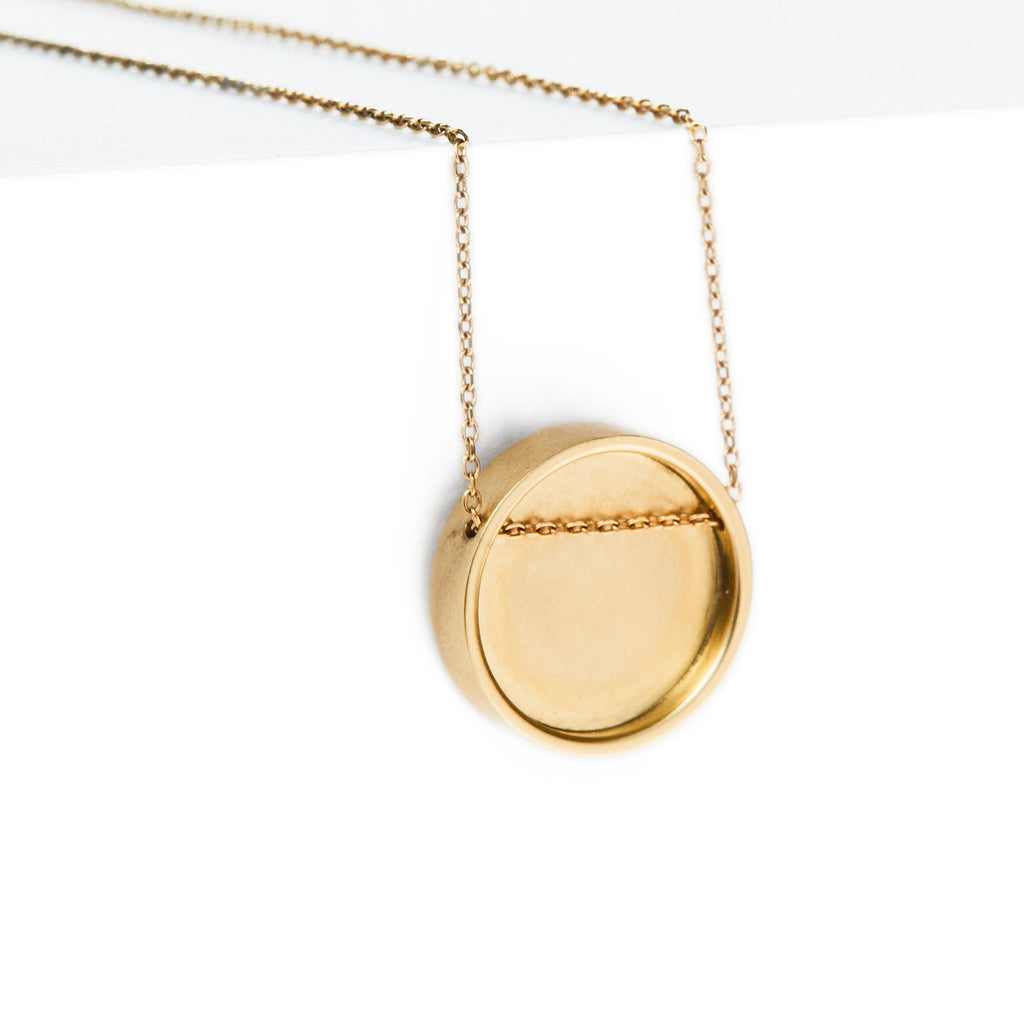 perceptions pendant / gold - casual seance