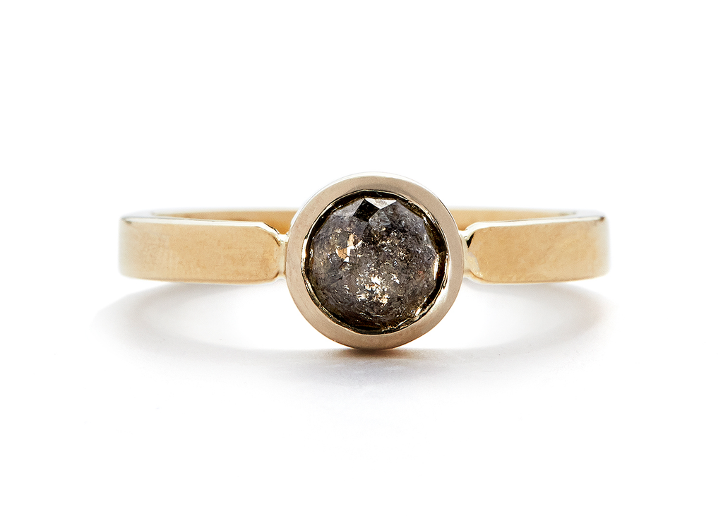 casual seance - gold duo solitaire / rose-cut salt and pepper diamond