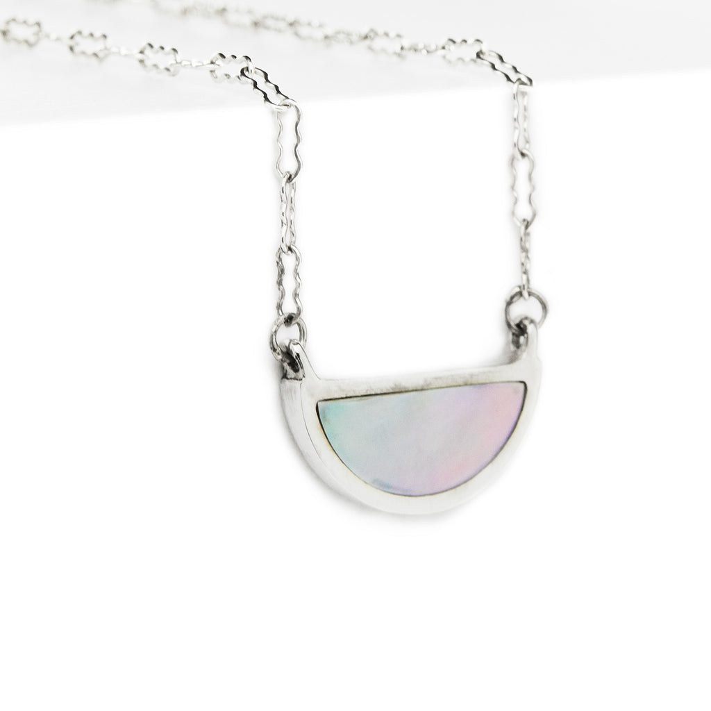 one half pendant / silver + mother of pearl - casual seance