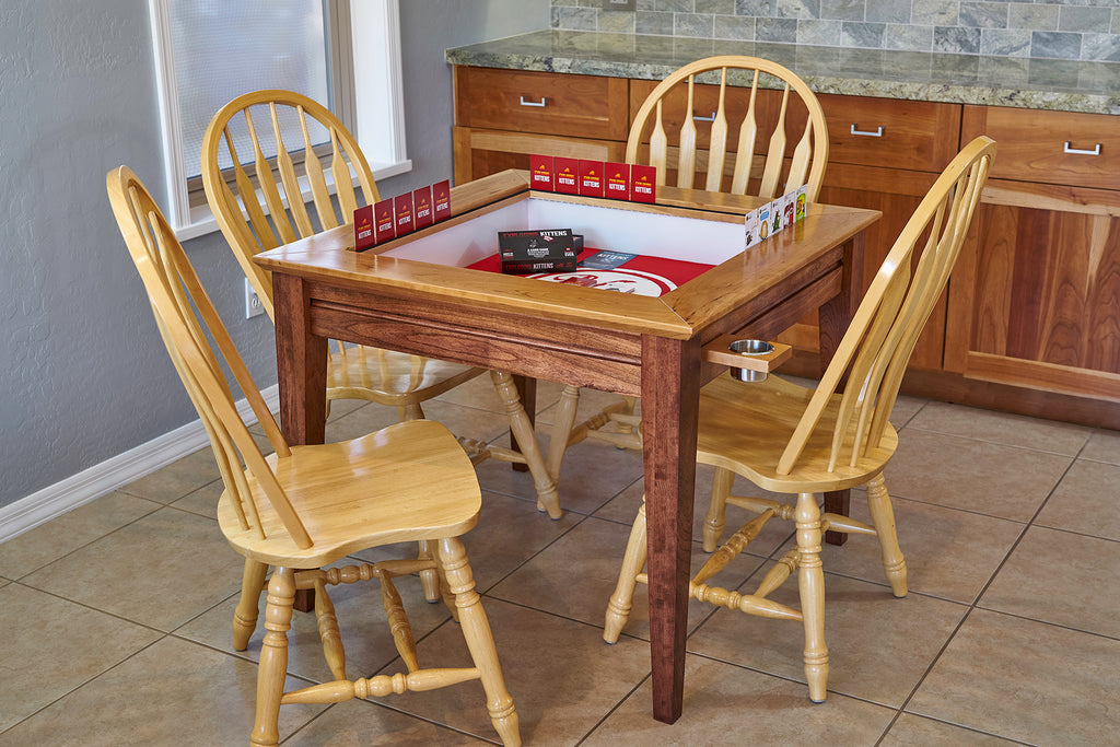 The Earl: Contemporary gaming table