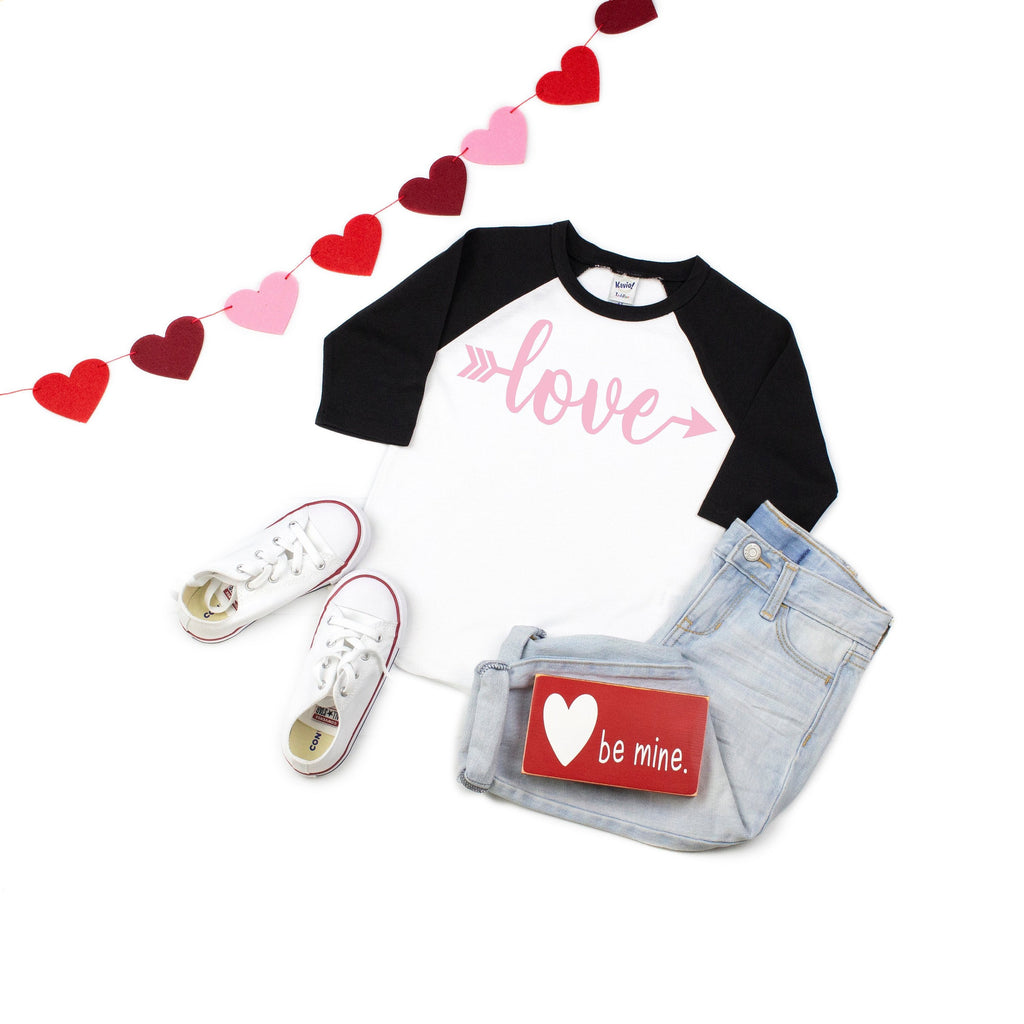 Cute V-day outfit, Children's Holiday top, love shirtChildren's Valentines day shirt, Xoxo top, Kids baseball shirt, Valentines day outfit,